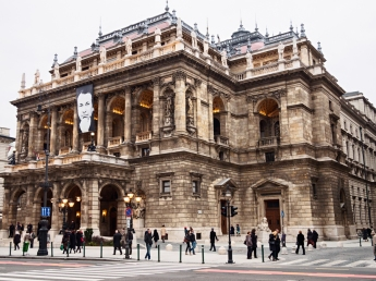 Exterior photo of the Budapest Opera House