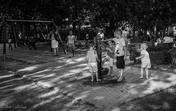 children playing outside at Szent Istvan Park