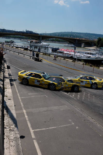 Drag racing in Budapest, spinning around the conereet ra