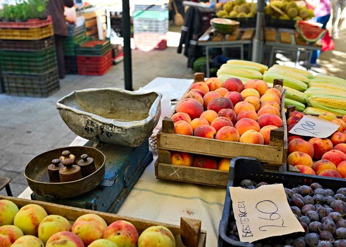 old scales at hunyadi market