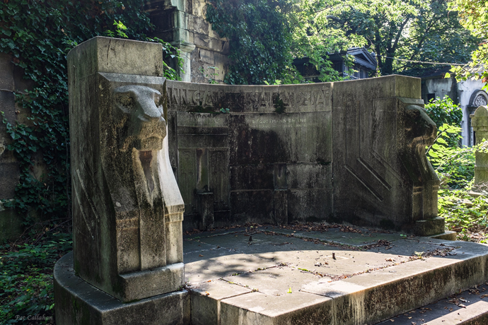 Some tombs are art deco masterpieces