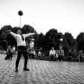 Juggler entertaining at Belleville parc in paris