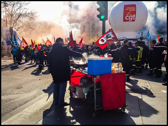 Paris-Protest Vendor.jpg