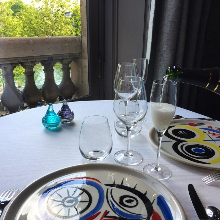 Guy Savoy Table