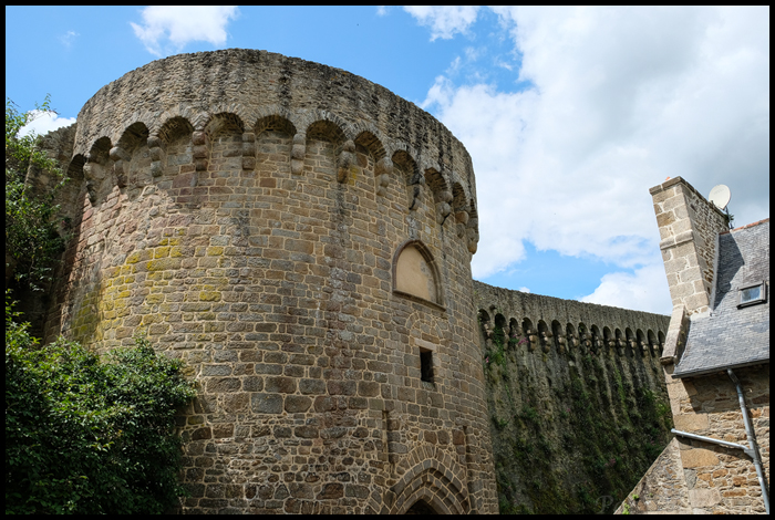 Dinan-Wall
