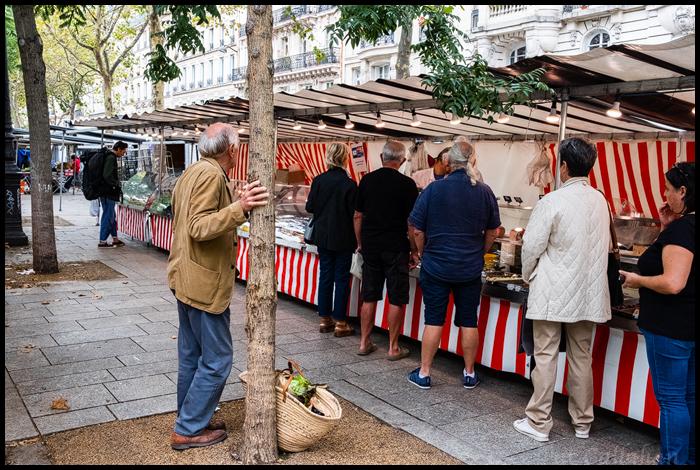 Paris-Market Scene.jpg